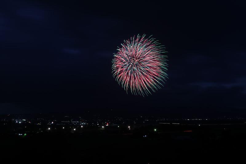 東京 花火 7 月 24 日
